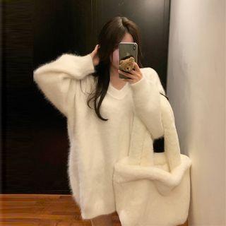 V-neck Oversized Sweater Sweater - White - One Size