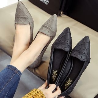 Pointed Flats 1062098916