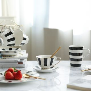 Striped / Dotted Plate / Cup 1057527540