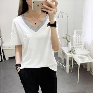 Short-Sleeve V-neck T-Shirt 1058230151