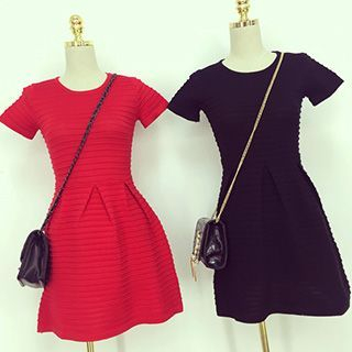 Ribbed Short-Sleeve Knit Dress 1050147326