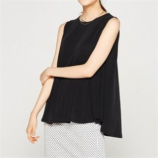 Round-Neck Sleeveless Top 1060017204