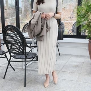 Short-Sleeve Ribbed Maxi Knit Dress 1065362144