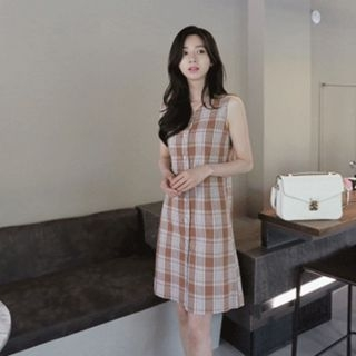 Sleeveless Button-Front Plaid Dress 1066770581