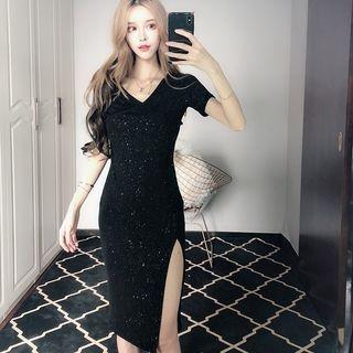 V-neck Short-Sleeve Dress 1066052251