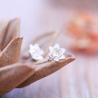 sterling-silver-flower-ear-studs
