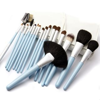Set of 18: Make-Up Brush 1060307853