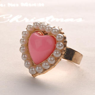 Pearl Edge Heart-Shaped Ring  Pink - One