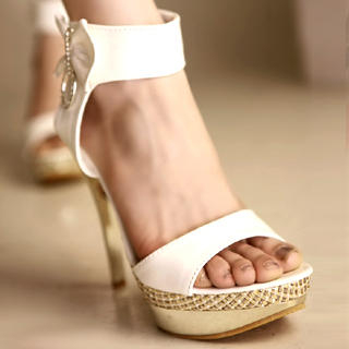 Buy Kvoll Bow-Accent Patent Platform Sandals 1022741381