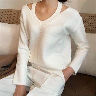 Cutaway-Shoulder Knit Top 1057258400