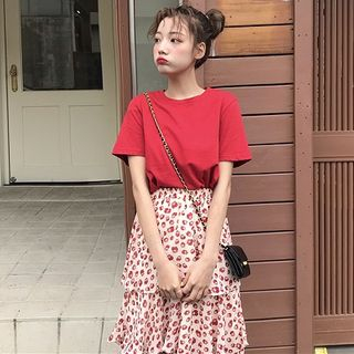 Image of Short-Sleeve T-Shirt / Midi Layered Skirt