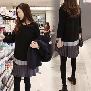 Image of 3/4-Sleeve Colored Panel Pleated Dress