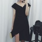 V-neck Short-Sleeve Dress 1596