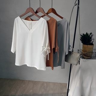 Elbow-Sleeve V-neck T-shirt 1059883373