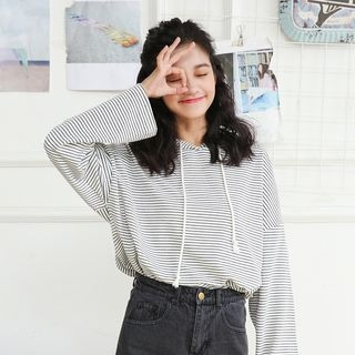 Striped Long-Sleeve T-Shirt 1062899251