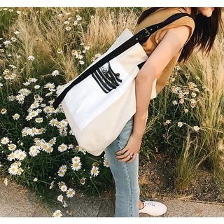 Printed Canvas Tote 1062535997