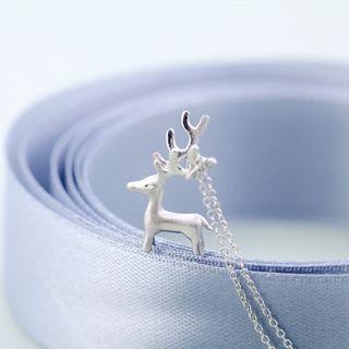 sterling-silver-reindeer-necklace