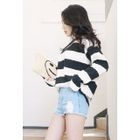 Long-Sleeve Striped T-Shirt от YesStyle.com INT