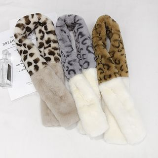 Image of Leopard Print Panel Furry Scarf