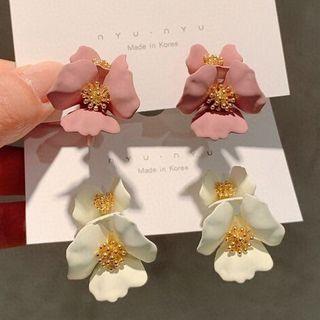 Image of 3D Flower Open Hoop Earring