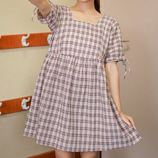 Short-sleeve | Babydoll | Square | Plaid | White | Dress | Neck | Size | Red | One