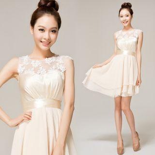 Sleeveless Lace Panel Cocktail Dress 1049036751