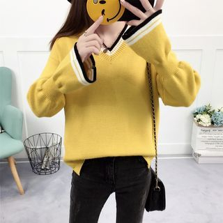 Contrast Trim V-Neck Bell-Sleeve Sweater