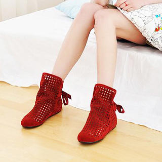 Picture of KAWO Tie-Back Perforated Ankle Boots 1022902646 (Boots, KAWO Shoes, China Shoes, Womens Shoes, Womens Boots)