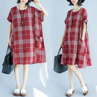 Image of Plaid Short-Sleeve Shift Dress As Shown In Figure - One Size