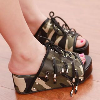 Lace-Up Platform Camouflage Mules