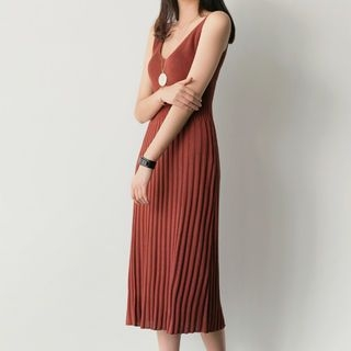 Sleeveless Ribbed Knit Dress 1059527366