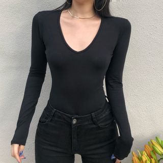 Long-sleeve   V-neck