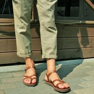Buy YOON-GOON Genuine Leather Thong Sandals 1023048024
