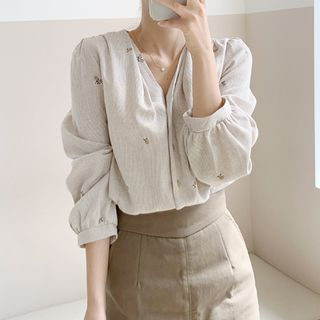 mimi&didi Flower-Embroidery Cotton Blouse Beige - One Size