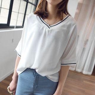 V-Neck Elbow-Sleeve T-Shirt 1058308397