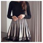 Patterned A-Line Knit Skirt 1596