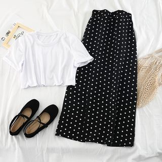 Image of Set: Short-Sleeve T-Shirt + Dotted Layered Midi Skirt